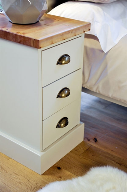 chiltern painted pine furniture 3 drawer narrow bedside cabinet table