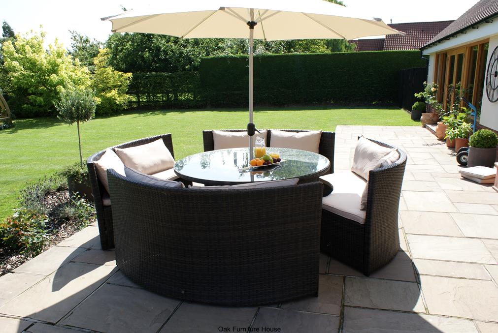 New york rattan outdoor garden furniture round table sofa for Garden furniture table and chairs