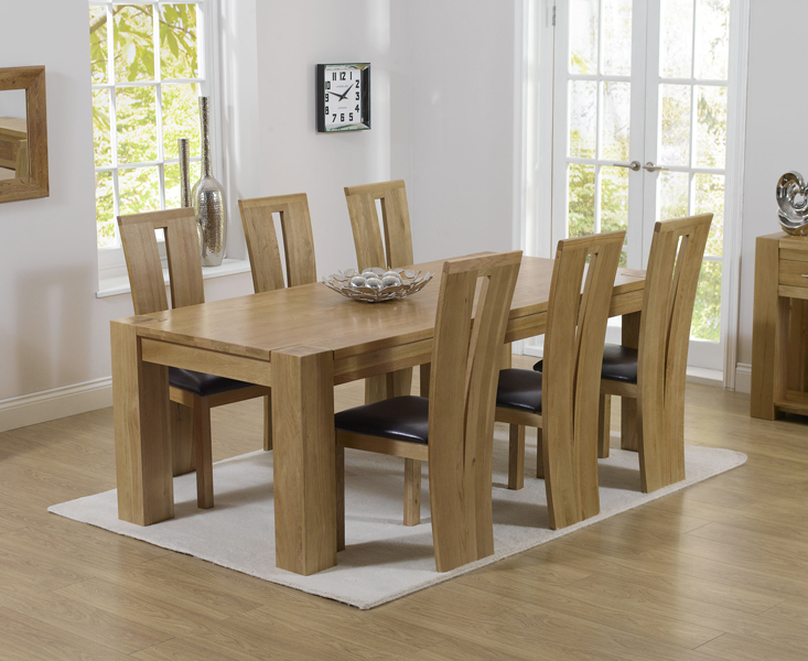 Rutland Solid Chunky Oak Furniture Large Dining Table And